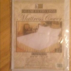 Better Home Deluxe Fitted Vinyl Matt Cover twin